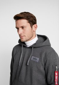 Alpha Industries - Sweat à capuche - charcoal heather - 3