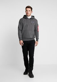 Alpha Industries - Sweat à capuche - charcoal heather - 1