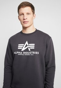 Alpha Industries - Sweatshirt - iron grey - 4