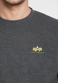 Alpha Industries - 188307 - Sweatshirt - charcoal heather - 4