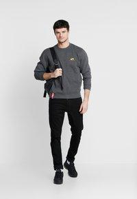 Alpha Industries - 188307 - Sweatshirt - charcoal heather - 1