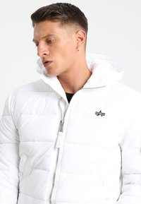 Alpha Industries - HOODED PUFFER - Giacca invernale - white - 3