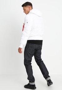 Alpha Industries - HOODED PUFFER - Giacca invernale - white - 2