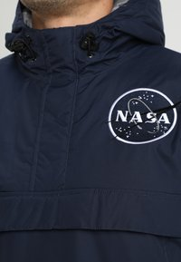 Alpha Industries - NASA ANORAKFUNKTION - Cortaviento - rep blue - 3