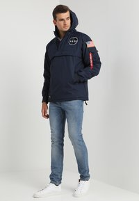 Alpha Industries - NASA ANORAKFUNKTION - Cortaviento - rep blue - 1