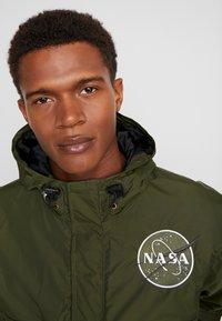 Alpha Industries - NASA ANORAKFUNKTION - Cortaviento - dark green - 3