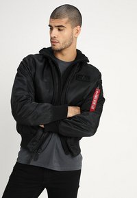Alpha Industries - TEC BACK PRINT - Bombertakki - black - 2