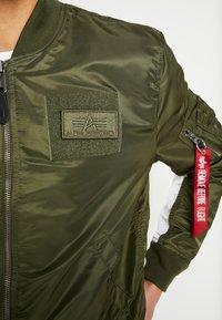 Alpha Industries - BLOUSON CUSTOM - Bomber bunda - dark green - 7
