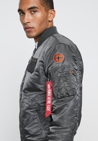 Alpha Industries - AIR FORCE - Giubbotto Bomber - grey - 5