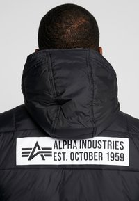 Alpha Industries - HOODED PUFFER - Jas - vintage green - 6