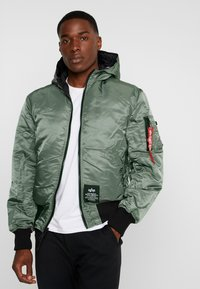 Alpha Industries - HOODED PUFFER - Jas - vintage green - 2