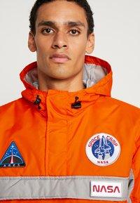 Alpha Industries - SPACE CAMP ANORAK - Veste mi-saison - orange - 5