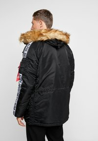 Alpha Industries - TAPE - Parka - schwarz - 2