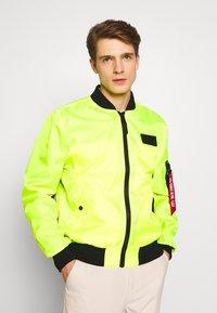 Alpha Industries - Bomberjacks - neon yellow - 0