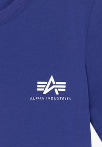 Alpha Industries - BASIC TEE SMALL LOGO KIDS/TEENS - Triko spotiskem - nautical blue - 3