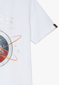 Alpha Industries - MISSION TO MARS KIDS TEENS - Print T-shirt - white - 3