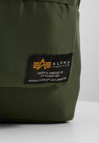 Alpha Industries - CREW BACKPACK - Batoh - sage green - 7