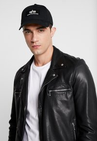 Alpha Industries - Gorra - black - 1
