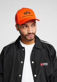 Alpha Industries - BASIC TRUCKER - Caps - flame orange - 1