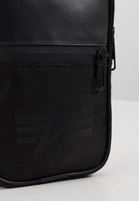 Alpha Industries - UTILITY BAG - Borsa a tracolla - black - 7