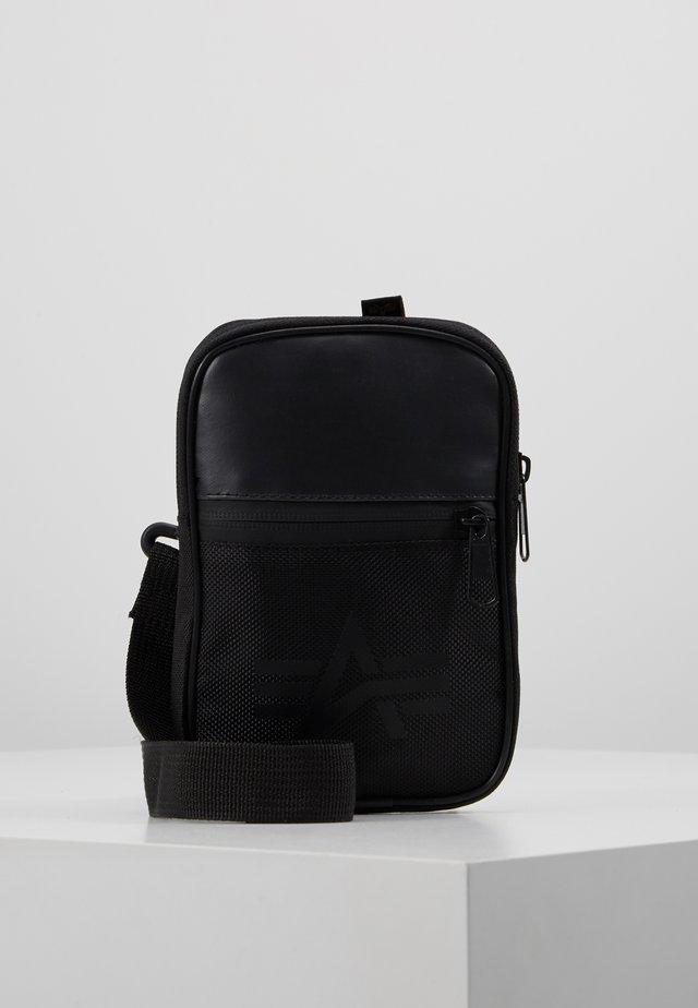 UTILITY BAG - Sac bandoulière - black