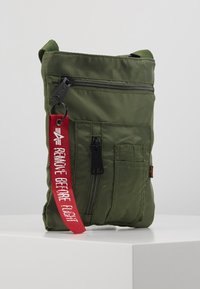Alpha Industries - CREW MESSENGER BAG - Sac bandoulière - sage green - 4