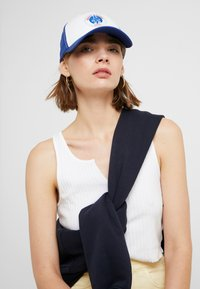 Alpha Industries - SPACE CAMP  - Gorra - white - 4