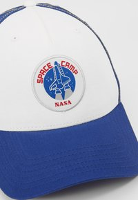 Alpha Industries - SPACE CAMP  - Gorra - white - 6