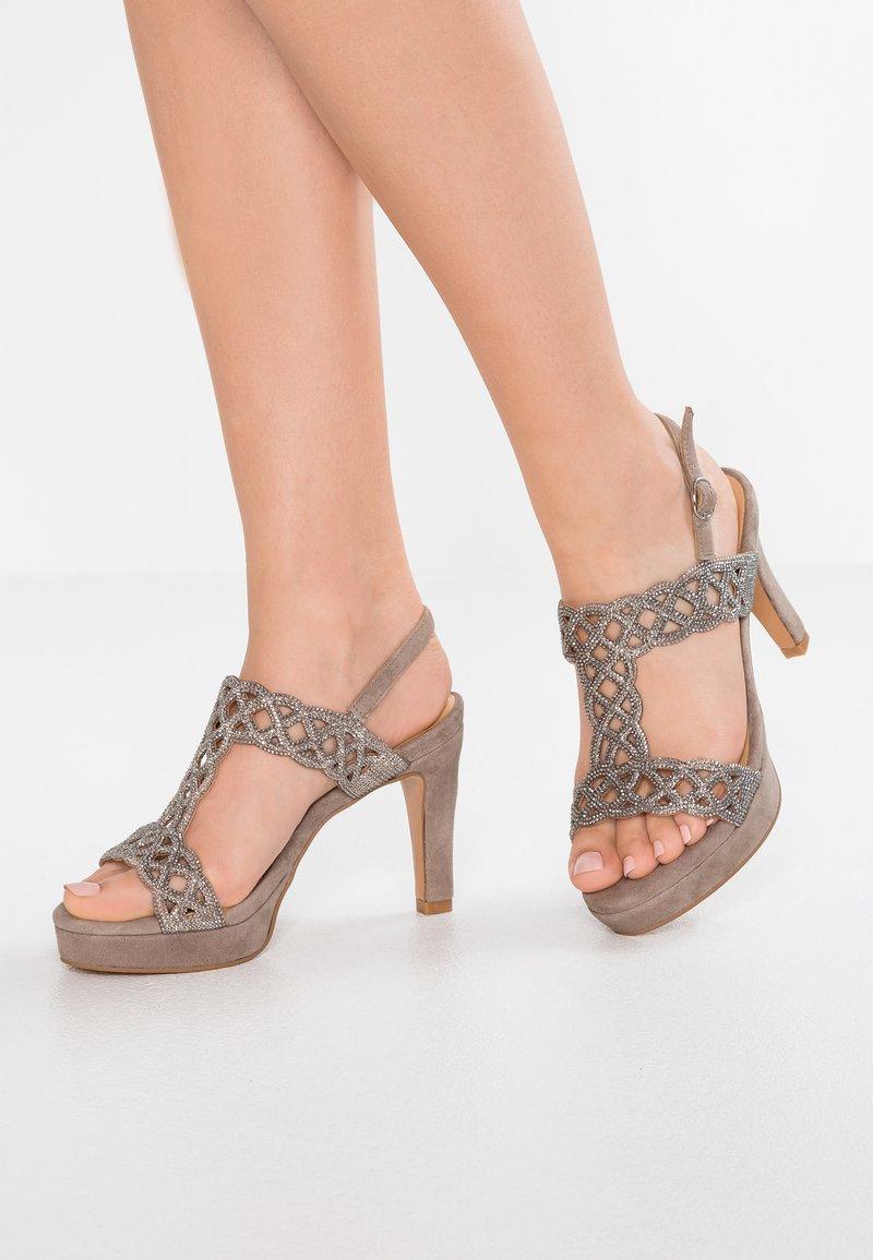 Alma en Pena - Højhælede sandaletter / Højhælede sandaler - taupe