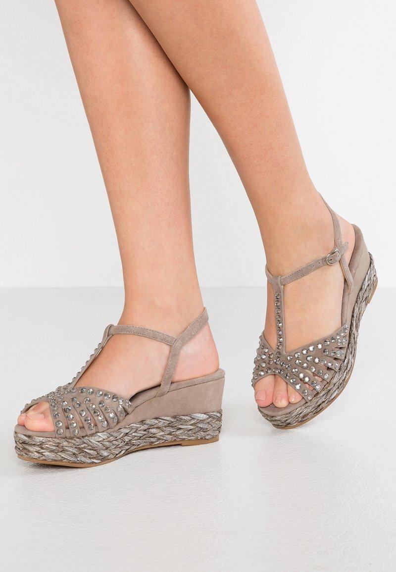 Alma en Pena - Platform sandals - taupe