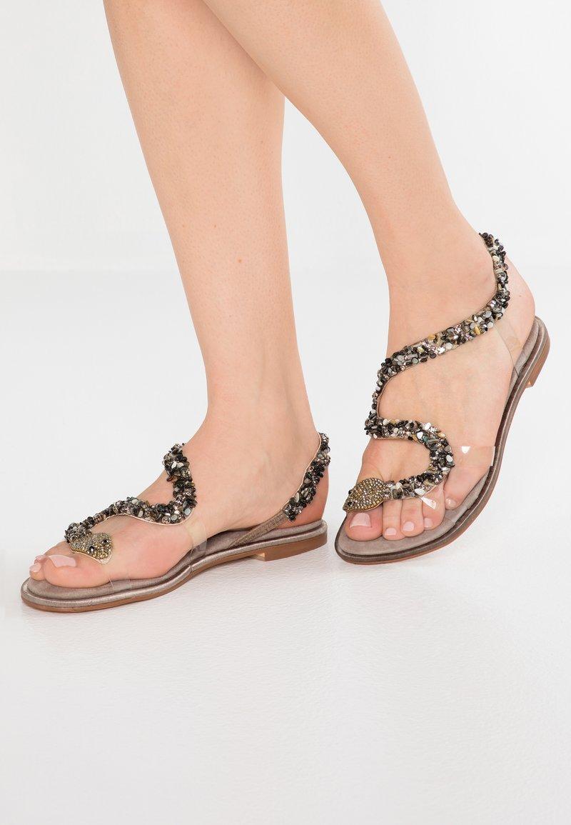 Alma en Pena - Sandals - taupe