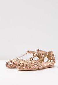 Alma en Pena - Ankle strap ballet pumps - old pink - 4