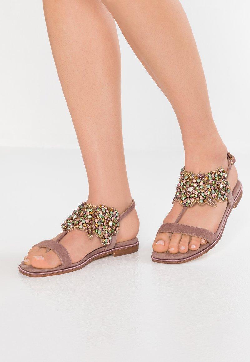 Alma en Pena - T-bar sandals - purple