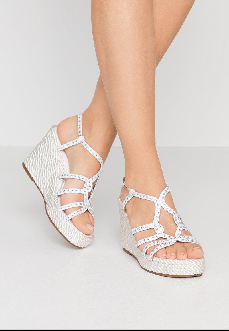 Alma en Pena - High heeled sandals - white