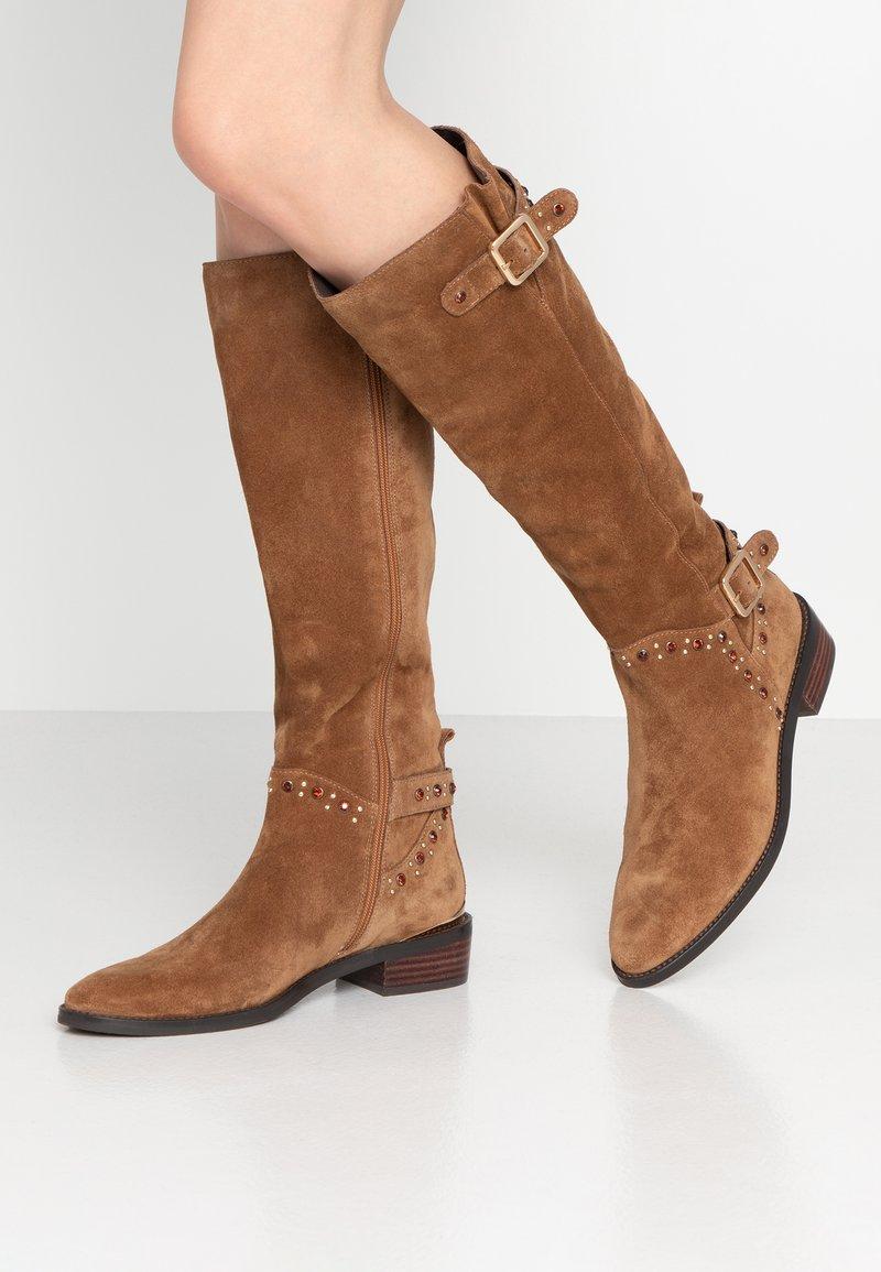 Alma en Pena - Cowboy/Biker boots - camel