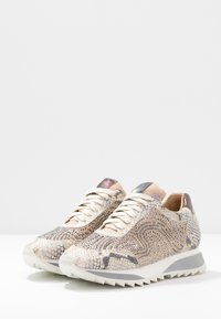 Alma en Pena - Sneakersy niskie - gold - 4