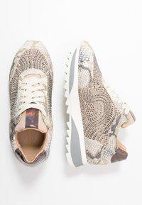 Alma en Pena - Sneakersy niskie - gold - 3