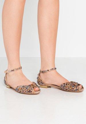 Ballerina peep-toe - vison