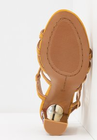 Alma en Pena - High heeled sandals - moustard - 6