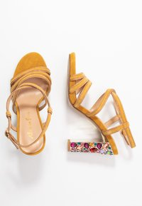 Alma en Pena - High heeled sandals - moustard - 3