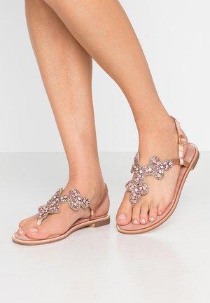 Sandály s odděleným palcem - old pink