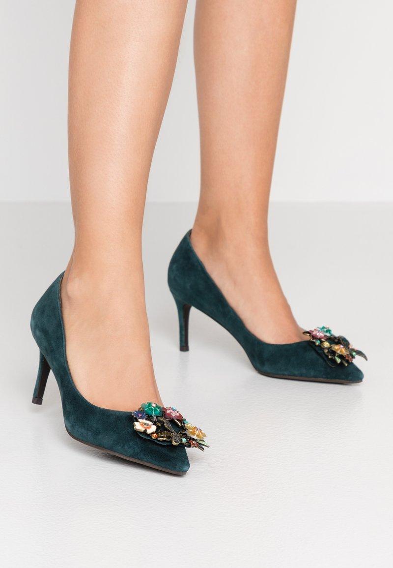Alma en Pena - Classic heels - petrol