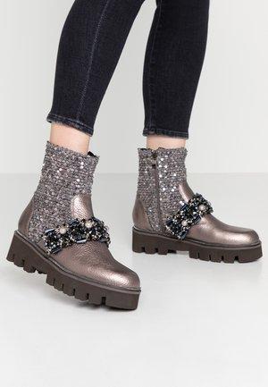 Cowboy/biker ankle boot - pewter