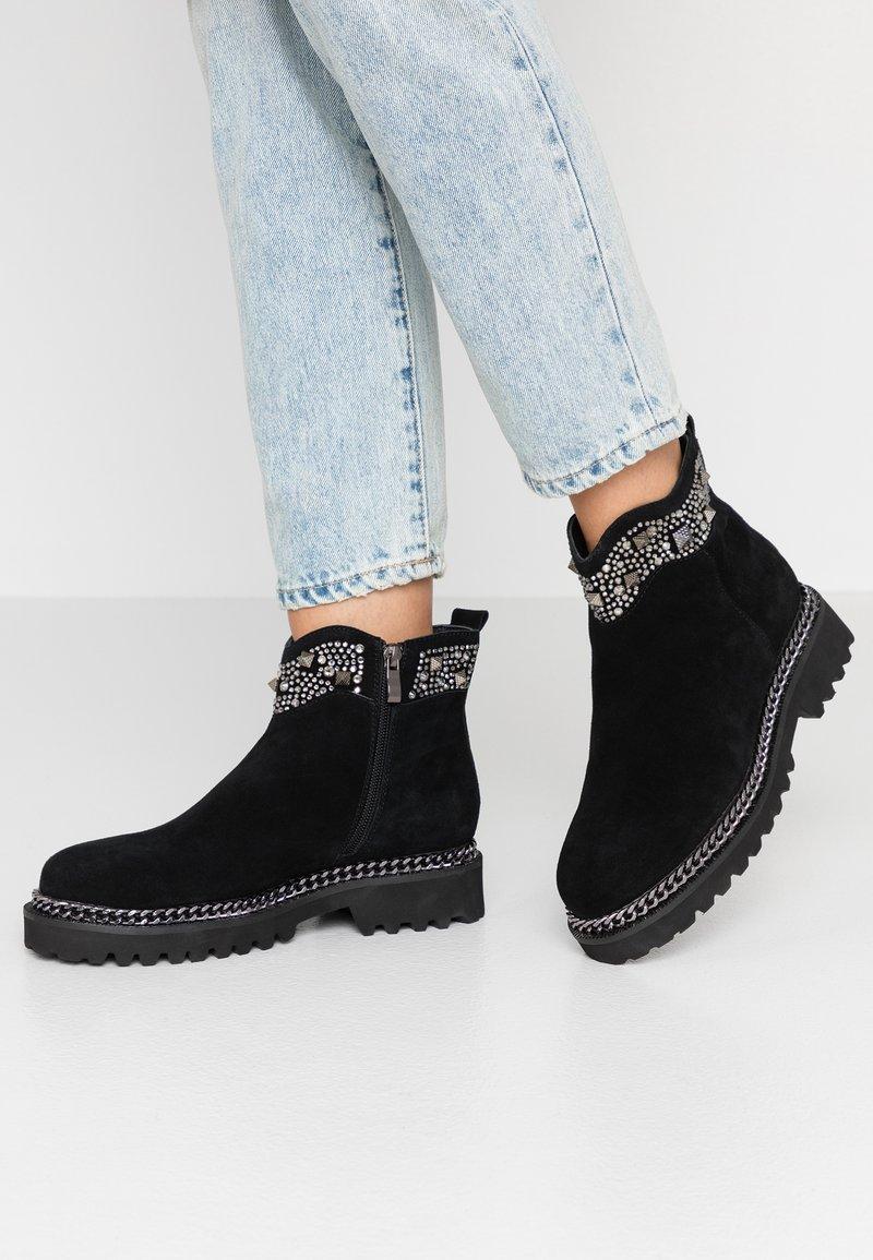 Alma en Pena - Cowboy/biker ankle boot - black