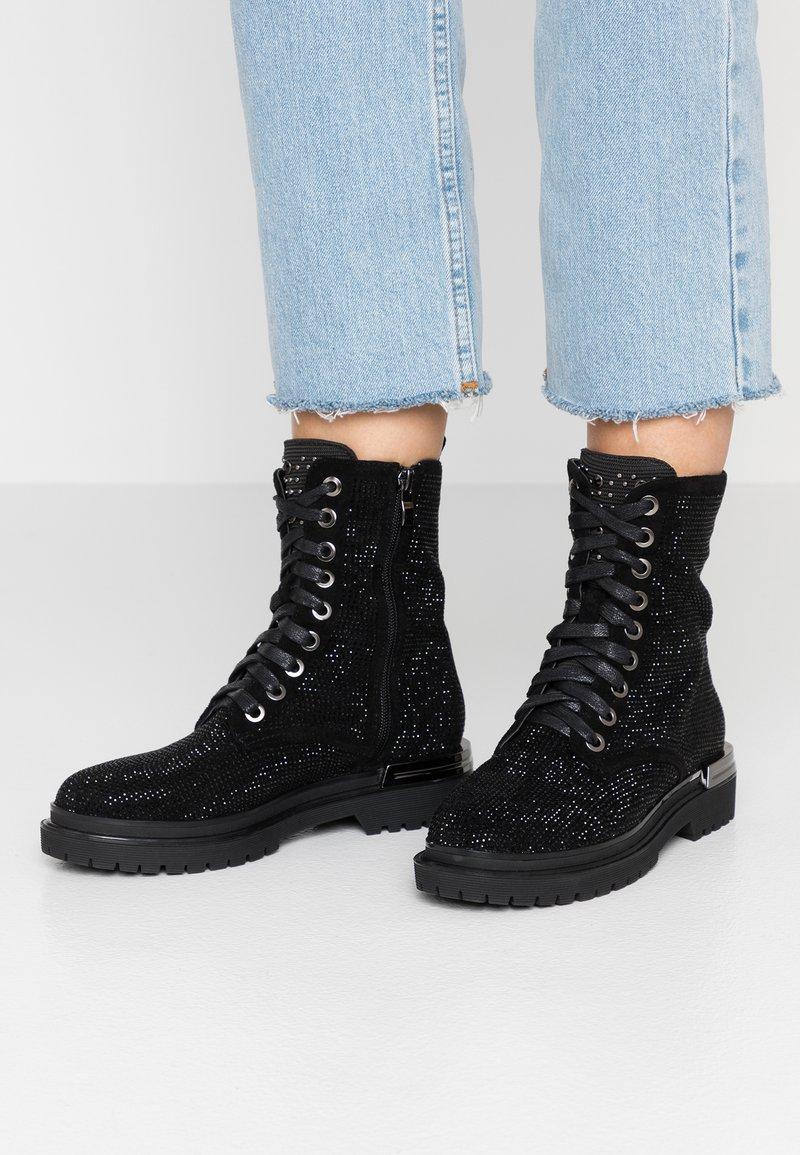 Alma en Pena - Lace-up ankle boots - crosta black