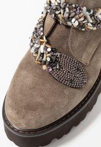 Alma en Pena - Platform ankle boots - taupe - 2