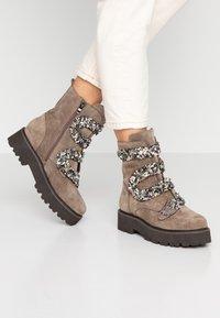 Alma en Pena - Platform ankle boots - taupe - 0