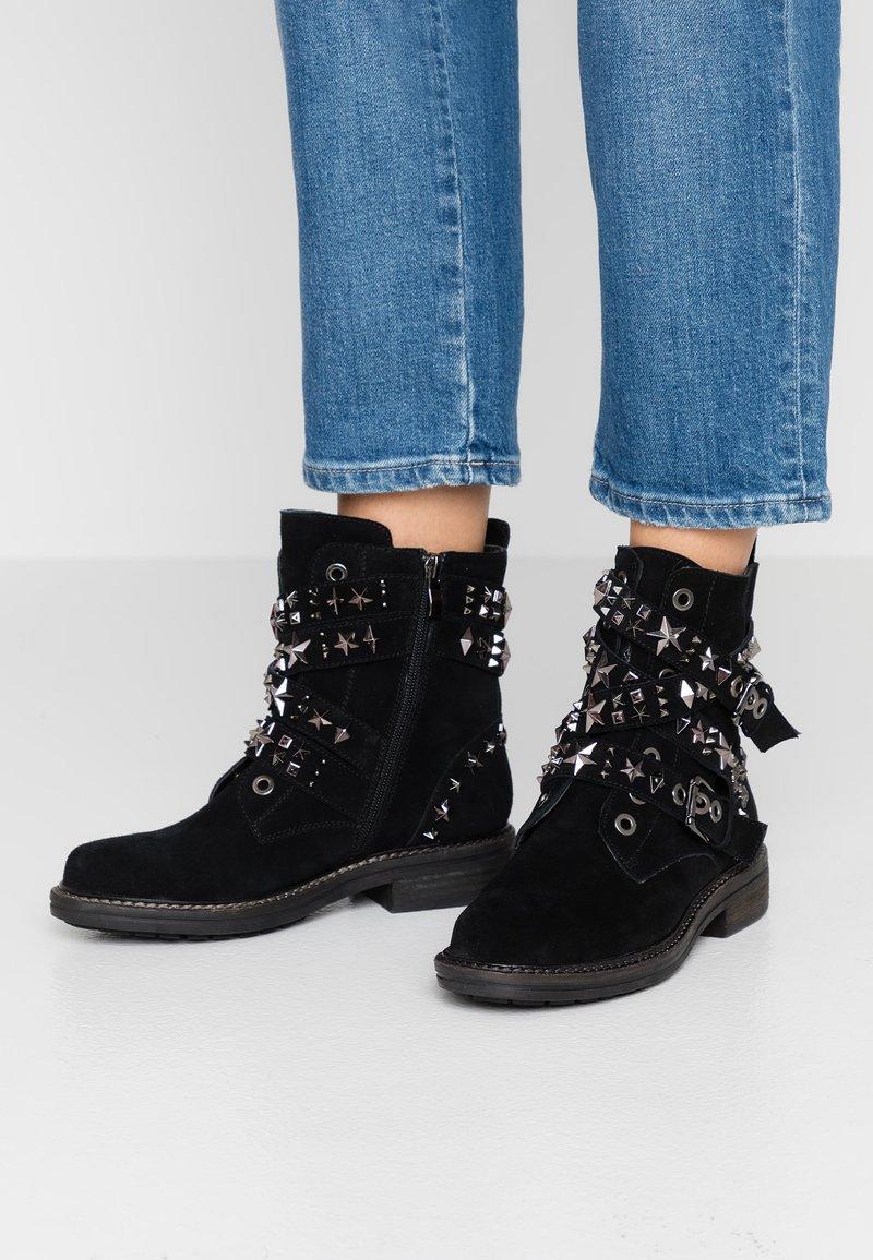 Alma en Pena - Kovbojské/motorkářské boty - black