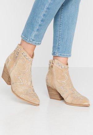 Kotníková obuv - sand