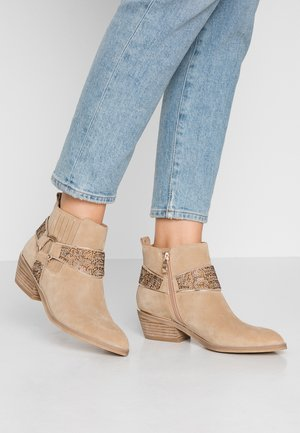 Ankle boots - sand